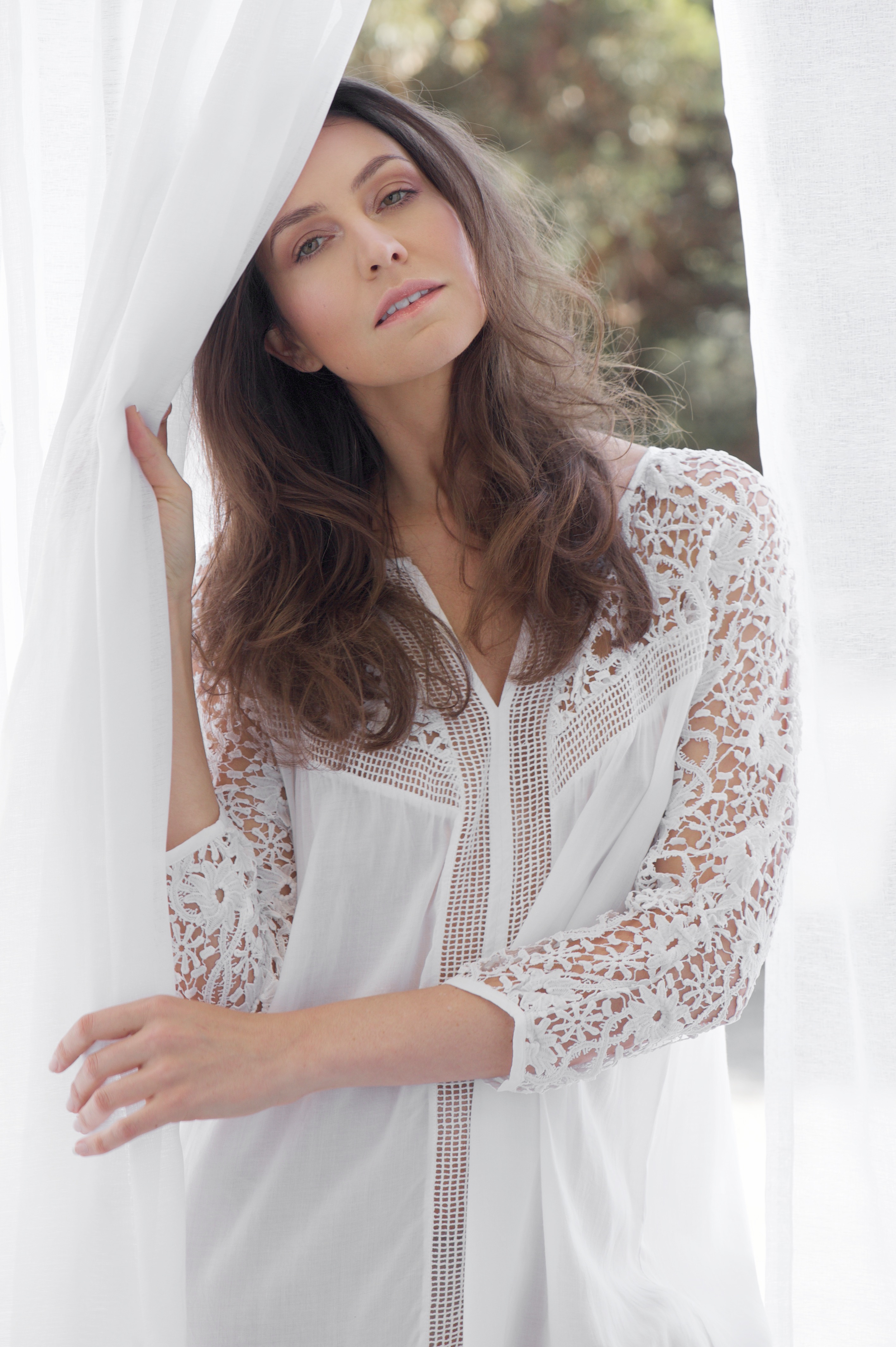 Elise stellamuse.com white curtain