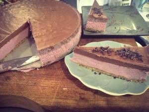 raw vegan strawberry choc cake